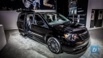 2013-chrysler-town-and-country-s-2