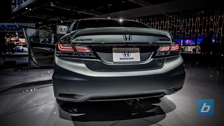 Honda Civic Pictures 2013 2013-honda-civic-hybrid-2