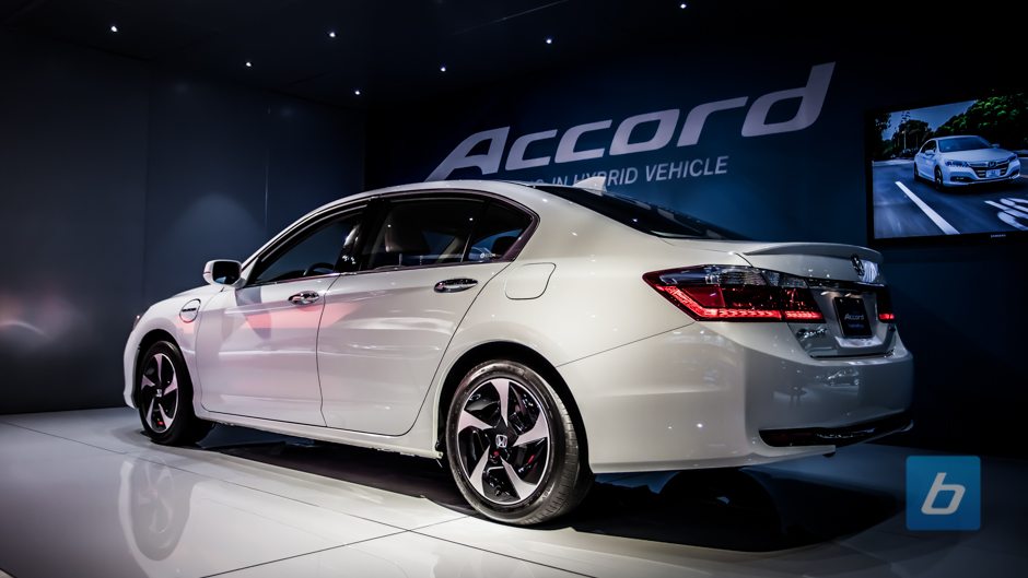2014-honda-accord-plug-in-hybrid-2