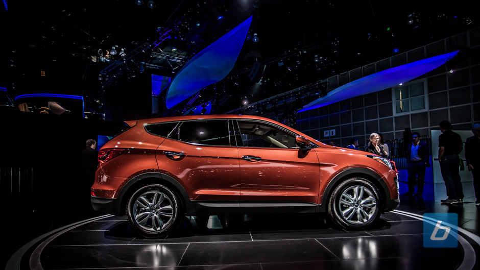 Hyundai Intros New 3-Row 2014 Santa Fe Crossover 2014-hyundai ...