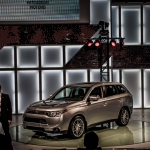 Mitsubishi Unveils All-New 2014 Outlander and 2013 Outlander Sport Limited Edition