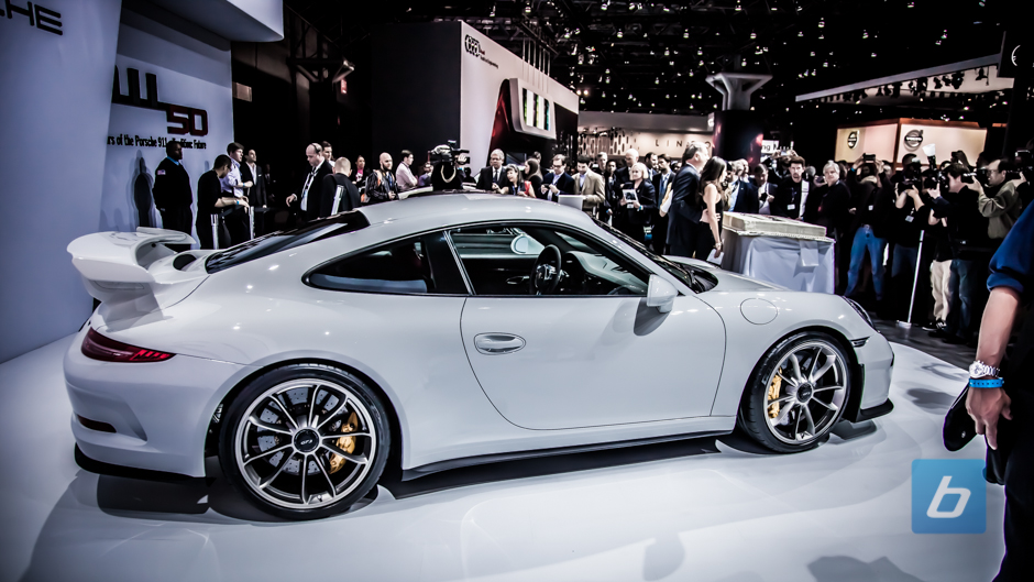 the porsche 911 gt2 rs is pure terror in car form and that 2017 2018 cars reviews. Black Bedroom Furniture Sets. Home Design Ideas