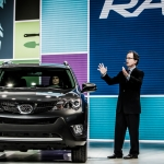 Toyota Debuts Next Generation 2014 Rav4