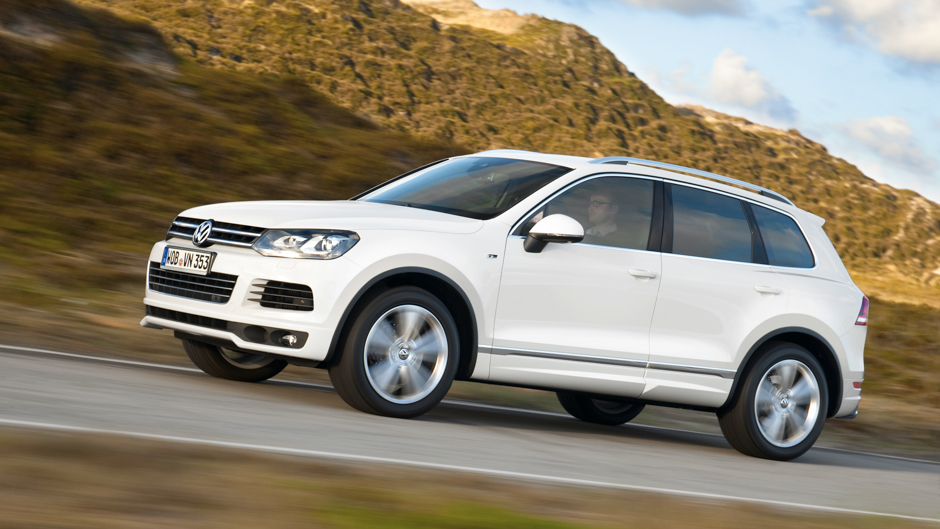 volkswagen adds r line trim to touareg and tiguan. Black Bedroom Furniture Sets. Home Design Ideas