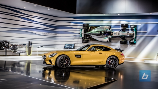 2015-mercedes-amg-gt-paris-1