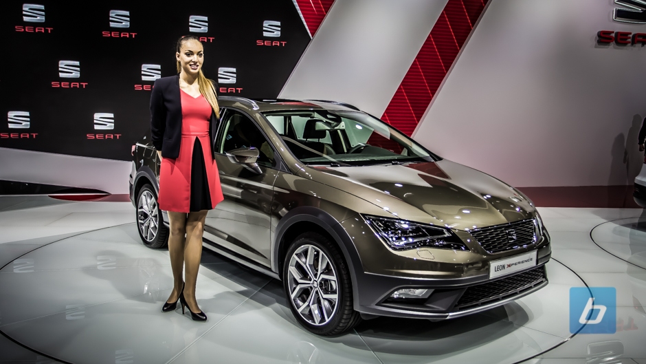 seat leon x perience paris motor show. Black Bedroom Furniture Sets. Home Design Ideas