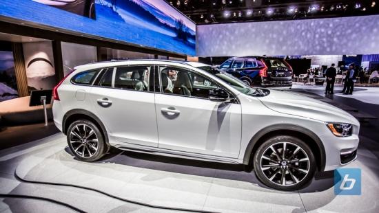 Volvo-V60-XC-LA-2014-1