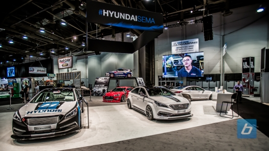 hyundai-booth-tour-sema-2014-16