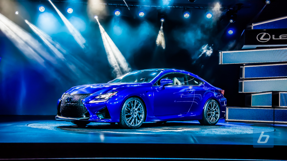 2015 Lexus RC F Coupe Debuts in Motor City