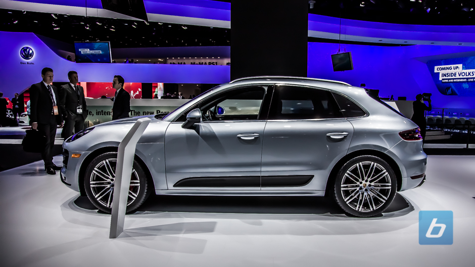 2015 porsche macan at naias. Black Bedroom Furniture Sets. Home Design Ideas