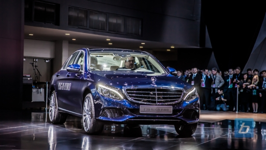 2016-mercedes-benz-c350-plug-in-hybrid-naias-2015-1