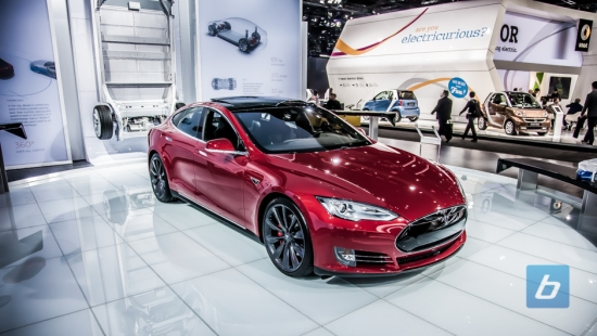 2016-tesla-model-s-p85d-85d-naias-9