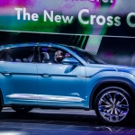 Volkswagen Debuts Cross Coupe GTE Concept in Detroit
