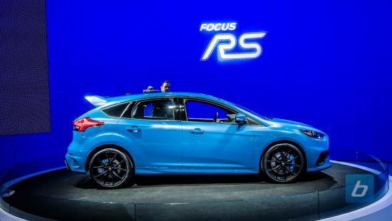 2016-ford-focus-rs-nyias-1