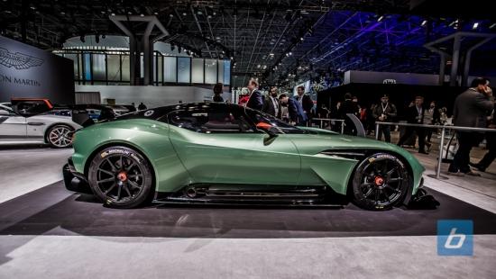 aston-martin-vulcan-concept-2015-nyias-5