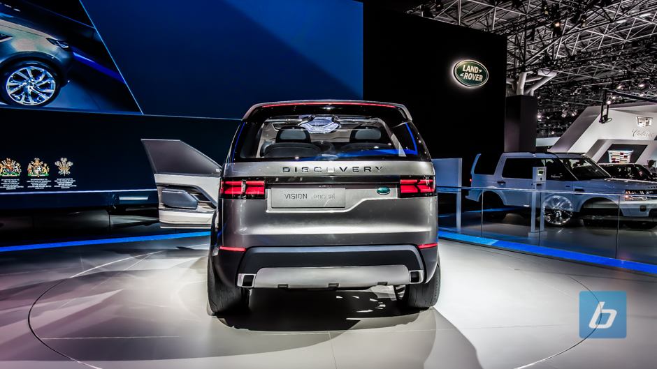 2016-land-rover-discovery-sport-nyias-5