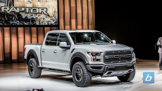 2017-Ford-Raptor-Super-Crew-Cab-2016-NAIAS-3