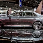 Hyundai Shows Off 2017 Genesis G90 in Detroit