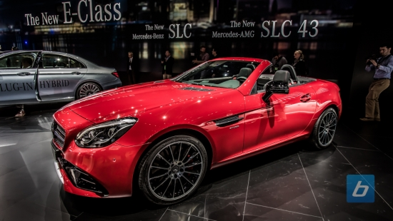 2017-Mercedes-Benz-AMG-SLC-SLC43-NAIAS-18