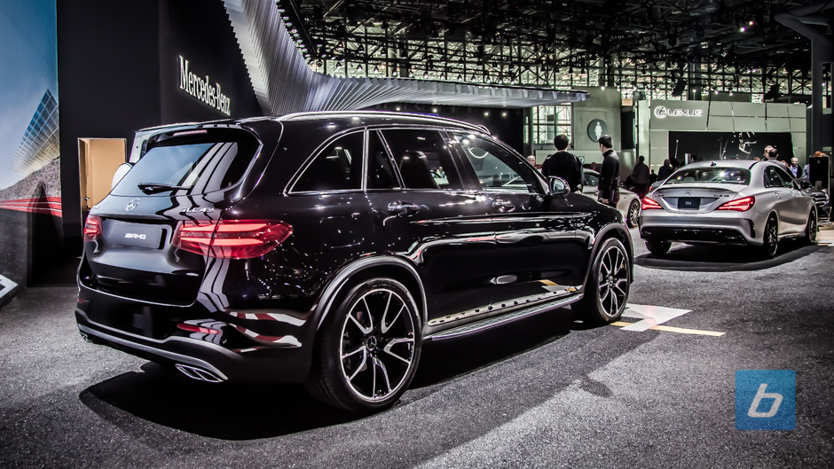 2017 mercedes amg glc43 nyias 4 for Mercedes benz glc43 amg