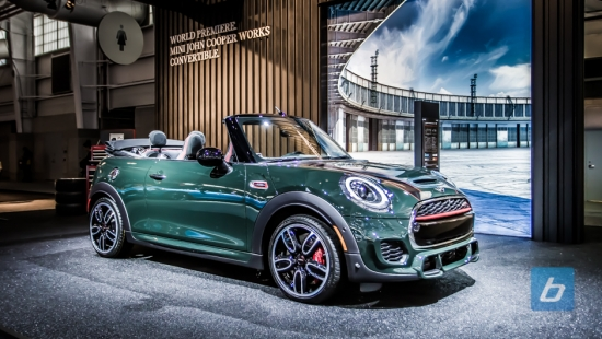 2017-mini-jcw-convertible-nyias-1