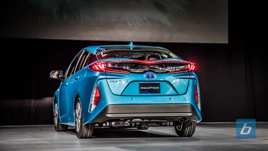2017 Toyota Prius Prime Nyias 11