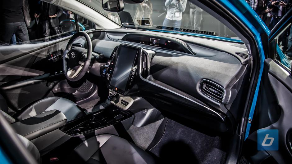 2017 Toyota Prius Prime Nyias 13