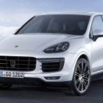 Porsche Recalls 800,000 SUV for Brake Pedal
