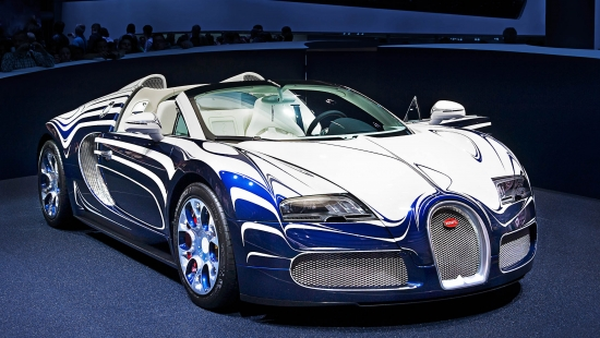Bugatti recalls Veyron to rectify three separate issues