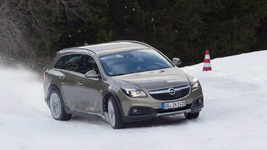 2015-opel-insignia-country-tourer-diesel-wagon