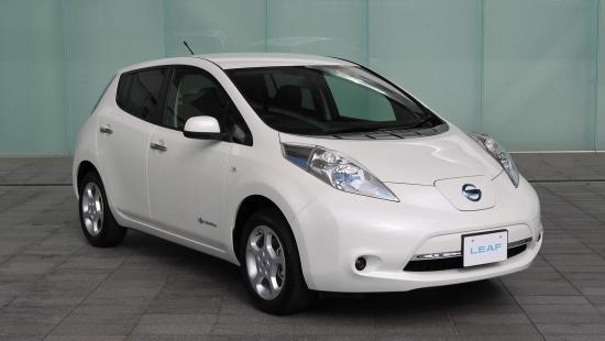 2013-Nissan-Leaf-31