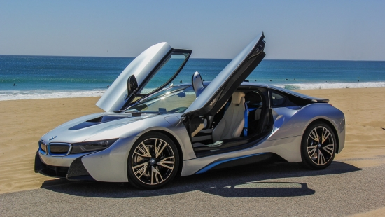 2015-bmw-i8-drive-review-06