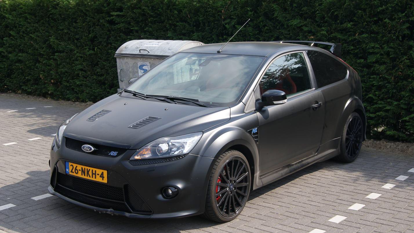 ford focus rs 500 spied. Black Bedroom Furniture Sets. Home Design Ideas