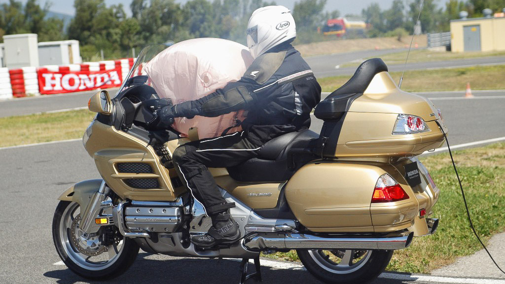 Honda Motorcycles Calgary >> Honda Goldwing gets Airbags Recalled
