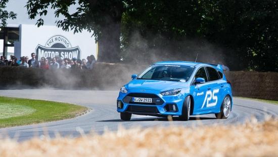 Ford-Focus-RS-drift