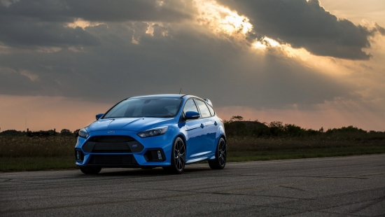 hennessey-ford-focus-rs-front-three-quarter-03