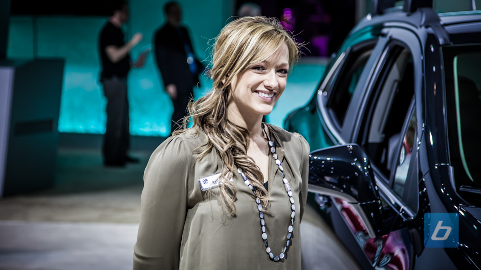 girls-of-2013-ny-autoshow-3