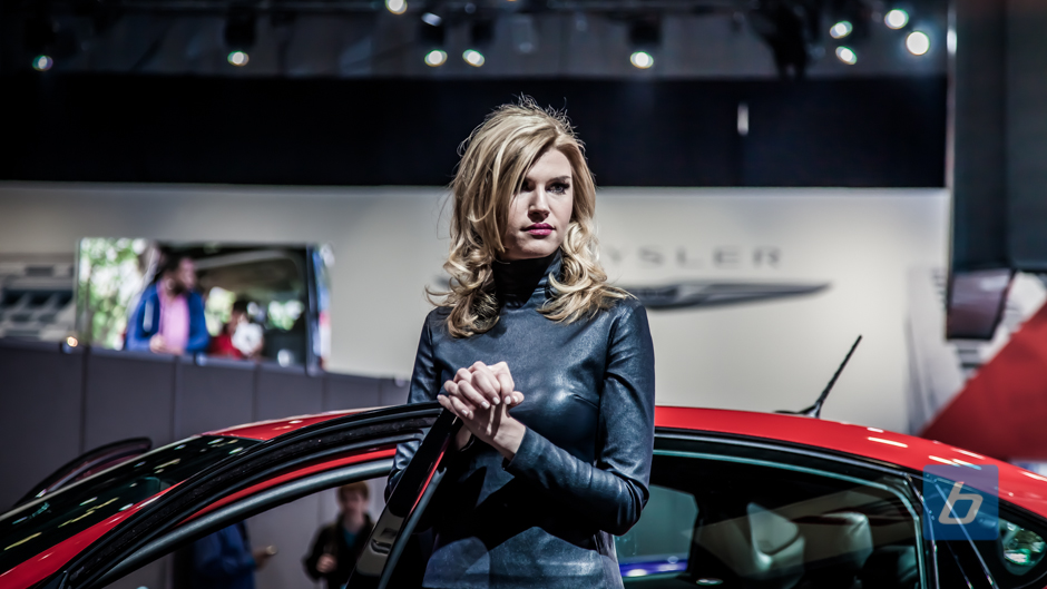 girls-of-2013-ny-autoshow-31