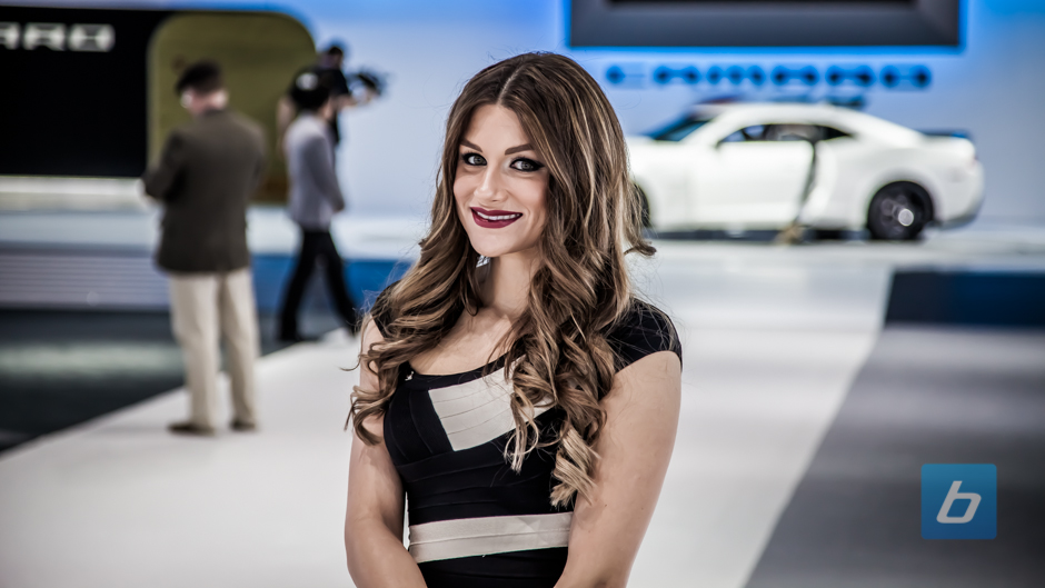 girls-of-2013-ny-autoshow-5