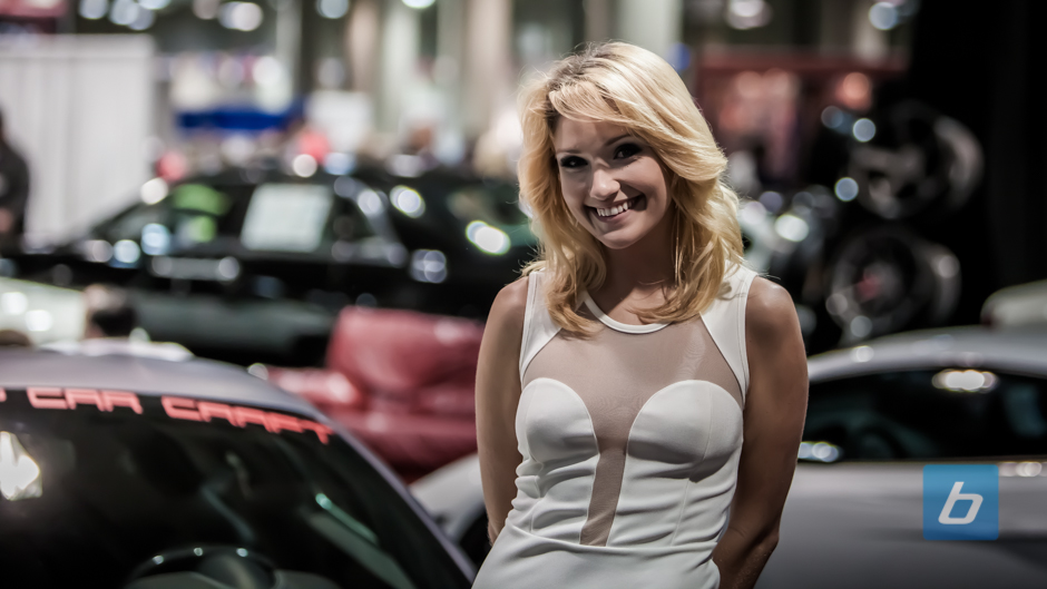 la-autoshow-2012-booth-girls-47
