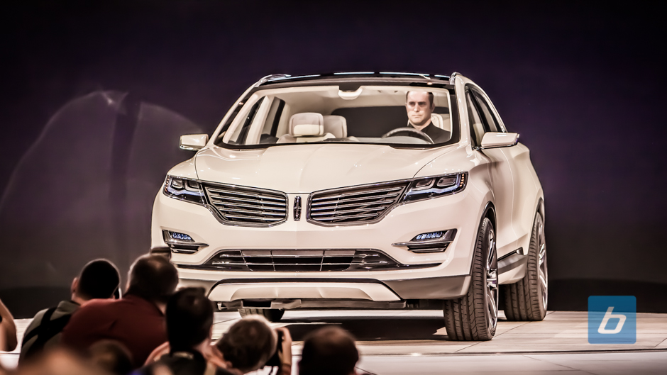 Lincoln Turnaround Begins with MKC Concept Crossover